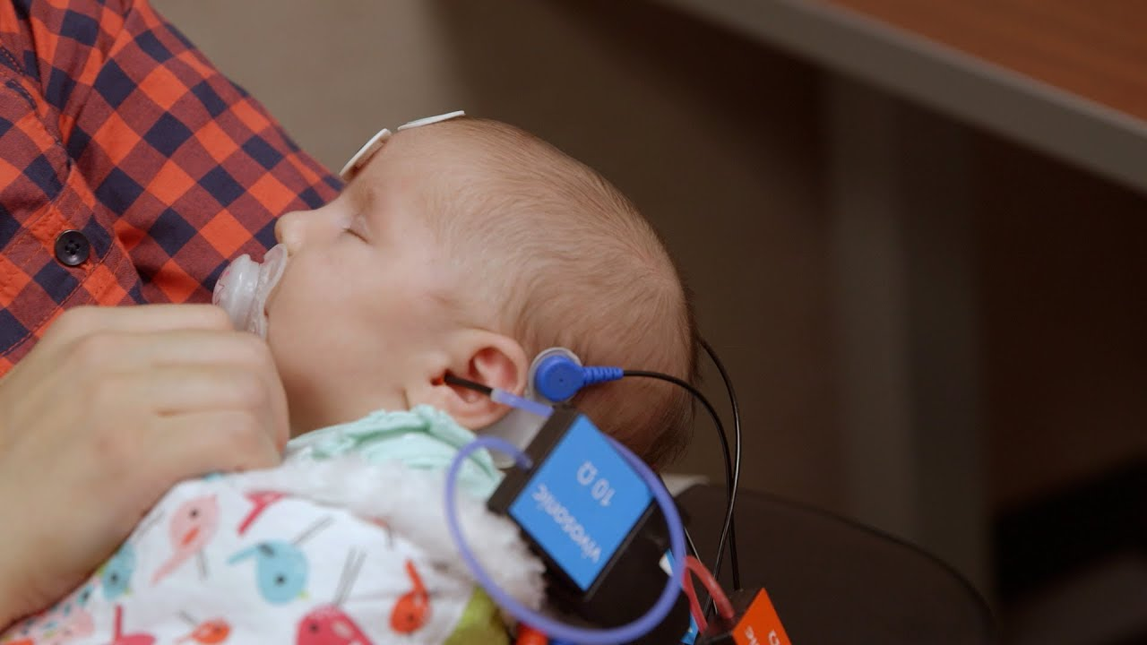 غربالگری شنوایی نوزادان